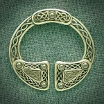 LARGE CELTIC BROOCH SET WITH HAEMATITE